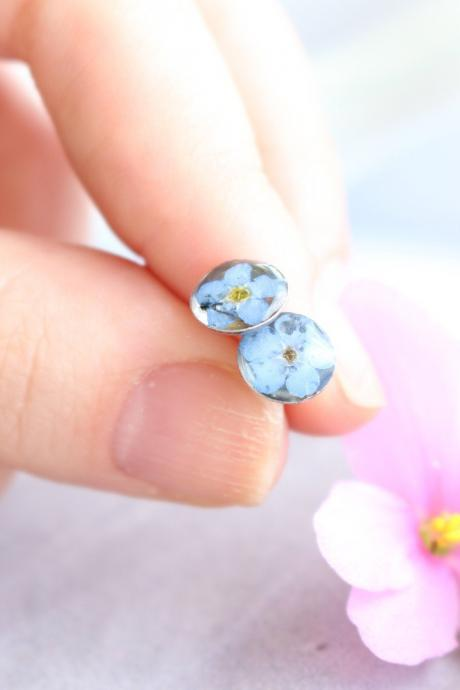 Forget me not stud earrings, bridesmaid gifts for day of wedding, small tiny earrings blue, tiny pressed flowers studs