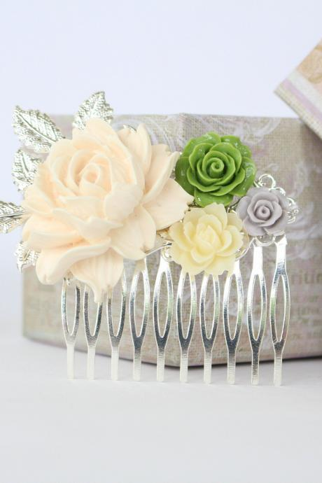 Outdoor wedding hair combs, flower hair combs elegant wedding, green wedding hair piece, bridal hair combs