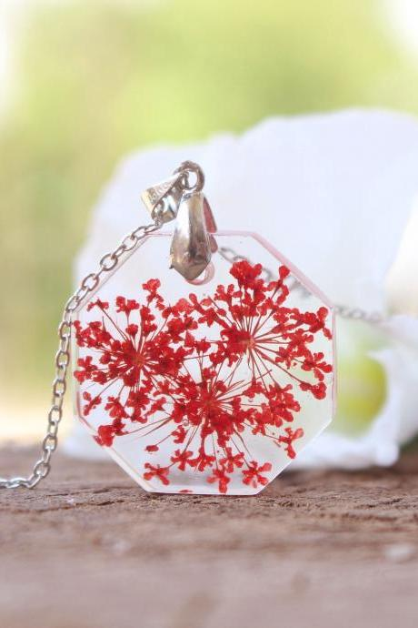 Pressed flower resin necklace, red flower pendant,summer necklaces for women,unique necklace gift,Armenian jewelry,flowers in resin necklace