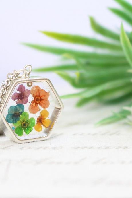 Real flower rainbow necklace, resin necklace, resin jewelry, real flower jewelry, gifts for her, summer necklace floral, flowers in resin