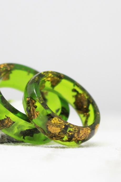 Resin ring copper , green rings for women, ring for girlfriend , emerald resin ring, unique rings for her, copper flakes , rings for gift